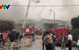 Cháy lớn nhà máy may Hàn Quốc tại KCN Khai Quang (Vĩnh Phúc)