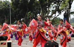 1000 bạn trẻ khuấy động phố đi bộ Hồ Gươm với điệu múa Yosakoi