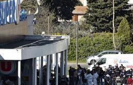 Thêm 1 cảnh sát thiệt mạng sau vụ bắt cóc con tin ở Pháp