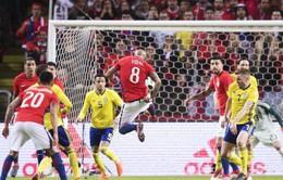 """Kết quả giao hữu bóng đá quốc tế ngày 25/3: Chile hạ gục Thụy Điển trong ngày Sanchez """"mất dạng"""""""