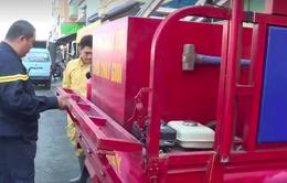 Việc tử tế: Xe chữa cháy tự chế của người bảo vệ dân phố