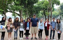 Hàng trăm bạn trẻ hào hứng tham gia thi tuyển Hướng dẫn viên du lịch miễn phí cho du khách