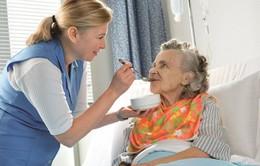 Chăm sóc đúng cách cho bệnh nhân sau mổ trĩ