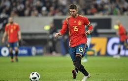Hết thi đấu giao hữu, Sergio Ramos về đón cậu con trai thứ 3