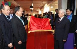 Tổng Bí thư khai trương Trung tâm văn hóa Việt Nam tại Pháp
