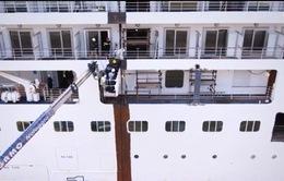 Dự án cưa đôi chiếc du thuyền nặng 36.000 tấn tại Italy