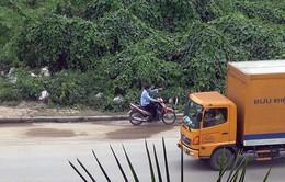 Nhiều xe máy ngang nhiên đi vào đường cấm trên cầu Thăng Long