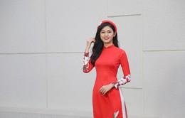 Á hậu Thanh Tú đẹp hút hồn trong tà áo dài truyền thống