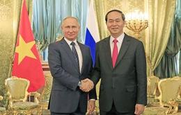 Chủ tịch nước điện đàm, mời Tổng thống Nga Putin thăm Việt Nam