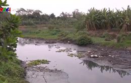 Bắt quả tang công ty giặt mài xả thải ra kênh thủy lợi Bắc Hưng Hải
