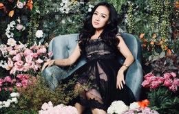 BTV Hoài Anh ngọt ngào bên vườn hoa