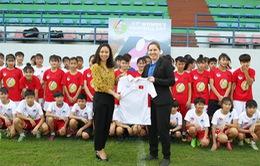 Đội dự tuyển nữ trẻ QG đá giao hữu với U16 nữ Hà Nội hưởng ứng ngày hội bóng đá nữ AFC
