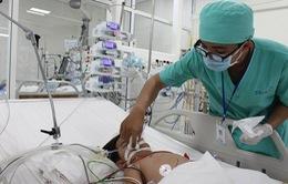 Trẻ liên tiếp nhập viện do uống nhầm xăng, hóa chất độc hại