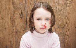 Trẻ bị chảy máu cam phải xử trí thế nào?