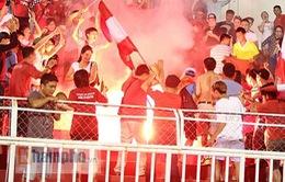 Nuti Café V.League 2018: 4 CLB bị phạt vì pháo sáng