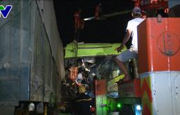 Phú Yên: Sử dụng máy cắt để cứu 2 nạn nhân bị mắc kẹt do tai nạn giao thông