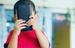"""47% phụ huynh tại Mỹ nghĩ rằng con cái mình """"nghiện"""" các thiết bị di động"""