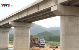 Quảng Ngãi xây cầu bắc qua sông Vệ giúp dân phát triển kinh tế