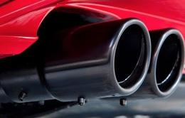 Lệnh cấm sử dụng dầu diesel khiến các nhà sản xuất ô tô châu Âu đau đầu