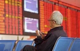 Lo ngại về cuộc chiến thương mại toàn cầu phủ sắc đỏ lên thị trường chứng khoán