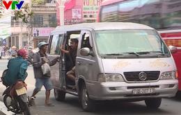 """""""Xe dù"""" lộng hành trên đường phố Nha Trang, Khánh Hòa"""