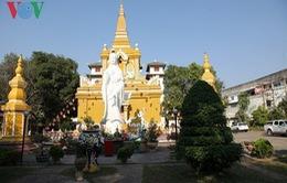 Việt kiều tại Lào cầu quốc thái dân an