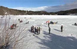 Người dân Pháp hào hứng khởi động mùa câu cá trên băng