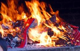 Hội phụ nữ các cấp ở Huế tuyên truyền hạn chế đốt vàng mã