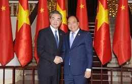 Thủ tướng Nguyễn Xuân Phúc tiếp Ủy viên Quốc vụ, Bộ trưởng Bộ Ngoại giao Trung Quốc Vương Nghị