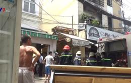 TP.HCM: Dập tắt đám cháy tại nhà dân, cứu cụ ông khỏi biển lửa