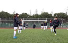 ĐT nữ Việt Nam tập luyện nhẹ, giữ tâm lý thoải mái trước trận gặp ĐT nữ Hàn Quốc