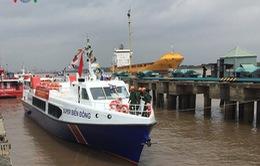 Hạ thủy tàu khách hiện đại ra đảo Lý Sơn