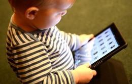 Cảnh báo nguy cơ trẻ chậm nói do sử dụng các thiết bị điện tử cầm tay