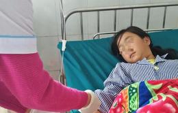 Choáng váng: 4 bé gái thách nhau uống thuốc trừ sâu