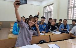"""""""Hoa khôi cầu lông"""" Việt Nam Thuỳ Linh đi học đại học"""