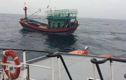 Nghệ An: Ứng cứu kịp thời một thuyền viên bị tời quấn mất bàn tay