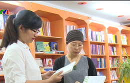 Các nhà xuất bản vật vã đối phó với bản quyền sách