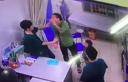 Bác sĩ Bệnh viện Xanh Pôn bị hành hung vẫn chưa hết hoảng loạn