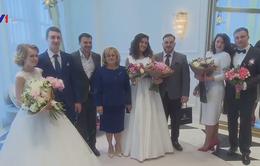 Hơn 1.500 cặp đôi tổ chức lễ cưới trong ngày Red Hill