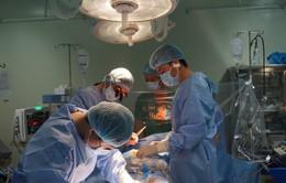 Cần Thơ: Cứu sống bệnh nhân 76 tuổi bị u nhầy nhĩ trái