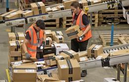 Sợ mất việc làm, nhân viên Amazon… đi tiểu vào chai