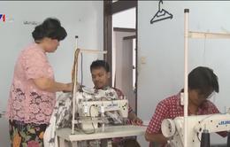 Nữ doanh nhân Indonesia khởi nghiệp từ niềm đam mê Batik truyền thống