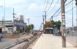 Đường song hành Xa lộ Hà Nội cong bất thường và người dân không được bồi thường