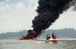 Cháy lớn trên biển Indonesia