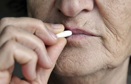 Thuốc ngủ có thể làm tăng nguy cơ gãy xương ở người già
