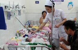 Nguy cơ nhiễm khuẩn hô hấp ở trẻ trong giai đoạn chuyển mùa
