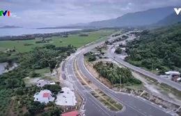 Vì sao chi phí làm 1 km đường ở Việt Nam cao gấp 2-3 lần so với nước ngoài?