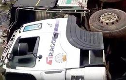 Lâm Đồng: Ô tô tải gây sập cầu