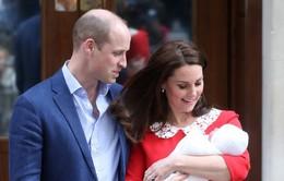 Vợ chồng Hoàng tử William chính thức công bố tên của con trai mới sinh