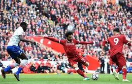 """Salah """"tịt ngòi"""", Liverpool chia điểm thất vọng giữa lúc """"nước sôi lửa bỏng"""""""